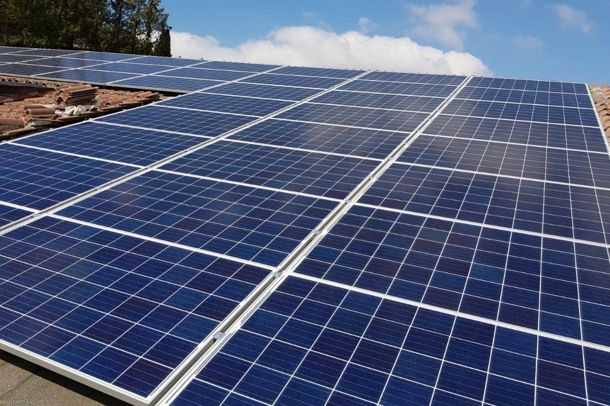 Impianto fotovoltaico per hotel - Solar Cash